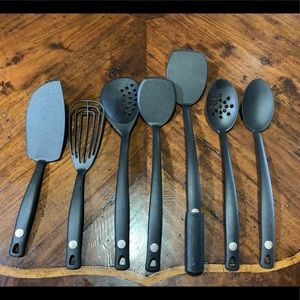 Willams•Sonoma 7 Piece Black Cooking Utensils